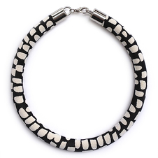 Black and White Tar Tar Franny Necklace